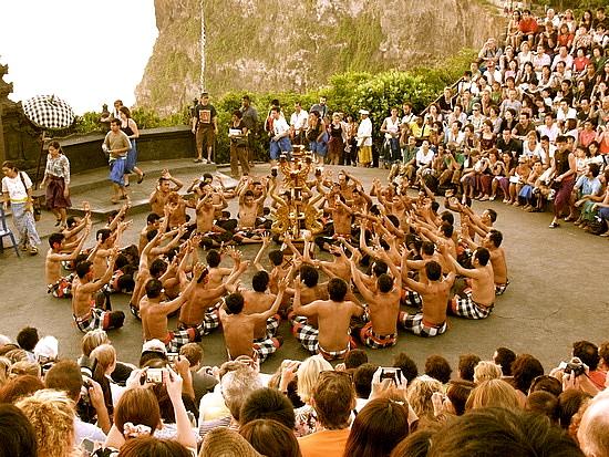 2.1255225541.kecak-dance-scene